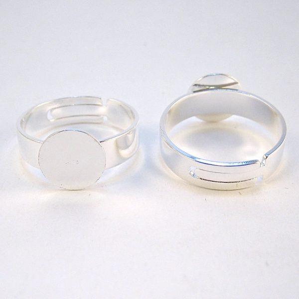 Silverpläterad ring med 10mm platta som stomme så man kan limma på en sten.